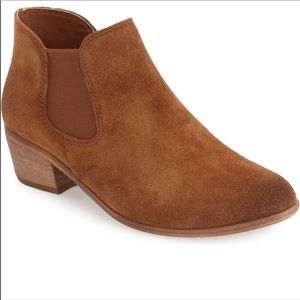 BP Nubuck Leather Brown Ankle Booties 7.5